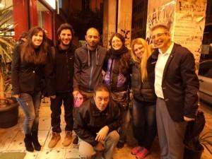 Παρουσίαση του βιβλίου στην Αθήνα.Πρώτος από δεξιά ο συγγραφέας. Γονατιστός στο κέντρο ο Περικλής Μποζινάκης